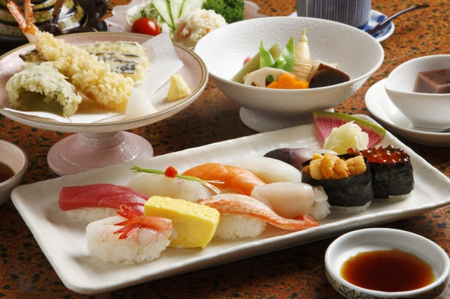 sushi combo dish