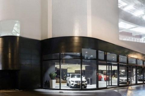 Mercedes-Benz è pronta a debuttare con una nuova immagine