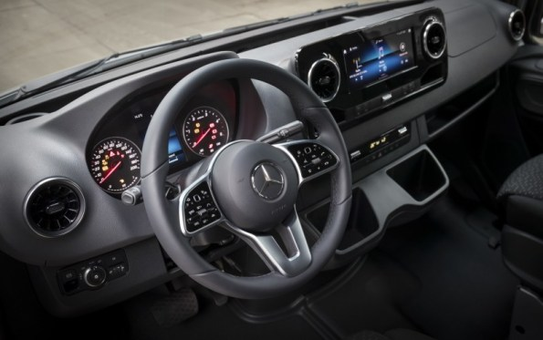 Nuovo Mercedes-Benz Sprinter Interni