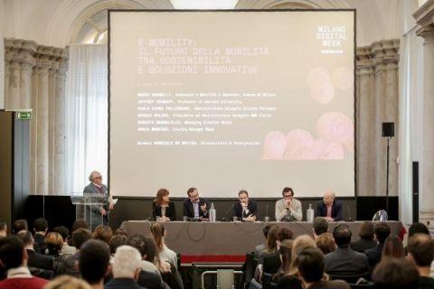 Milano digital week con la visione di mobilità del futuro di BMW