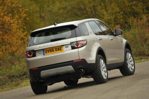 Noleggio auto on demand premium, 'THE OUT' di Jaguar Land Rover