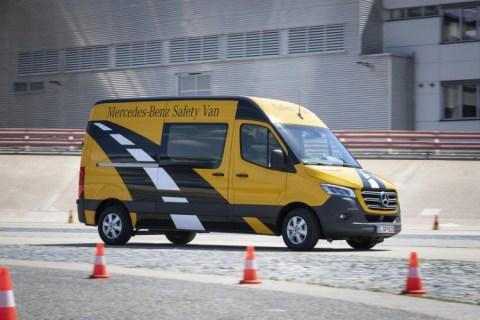 Sprinter, l'icona dei van fa il pieno per la sicurezza e assistenza alla guida