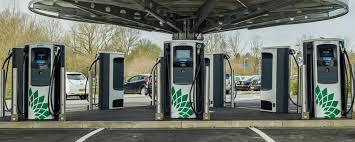 Londra: le stazioni di ricarica auto EV superano le endotermiche