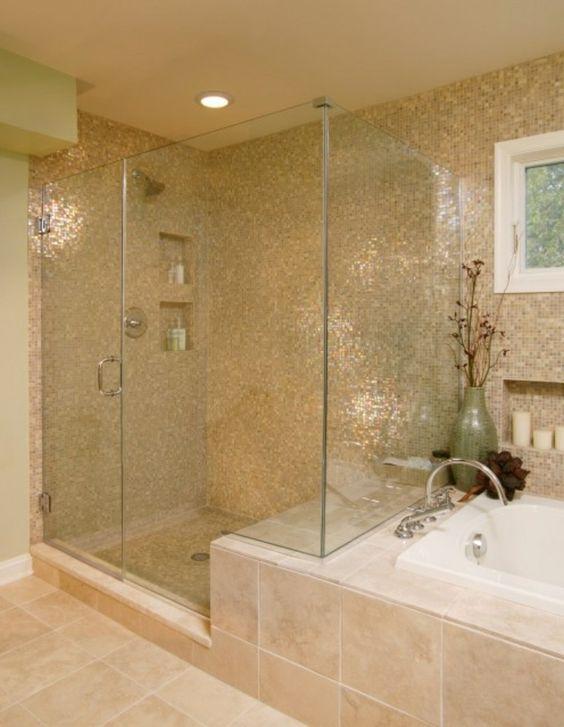 du beige dans la salle de bain