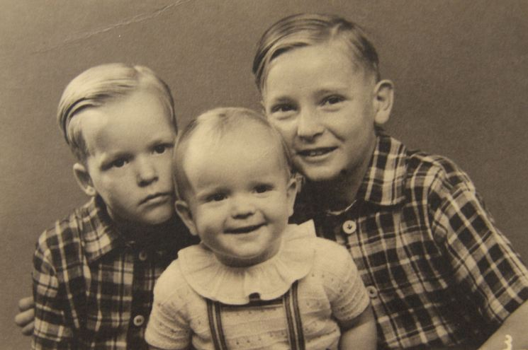 Mille's three oldest sons, Flemming, Hasse and Karl Kristian