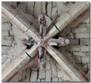 Eglise prieuré clé voûte JM