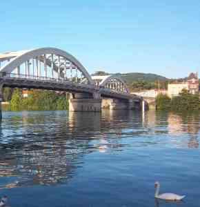 Pont de Neuville sur Saône photo de Patrick Huet.