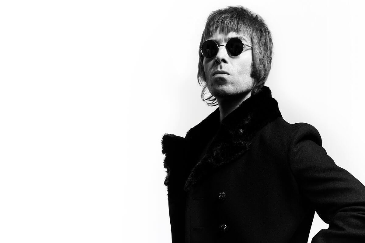 6140918 Liam Gallagher Wallpapers Hd Flick Of The Finger