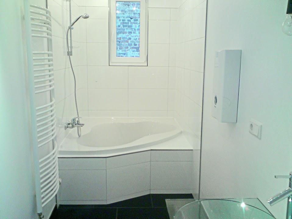 Badezimmer mit Dusche vom Fliesenprofi gestaltet - Wir ...