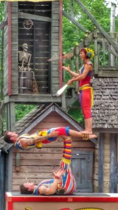 Barely Balanced Acrobats Ga Ren Fet