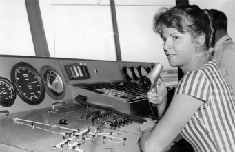 1960 Olga Tarling—appointed as Australia's first woman air traffic controller at Brisbane Airport (National Pioneer Women's Hall of Fame, 2001) Photo: Courtesy of State Library of Victoria