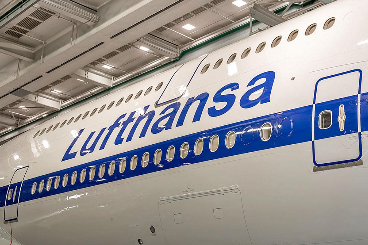 Pics Lufthansa 747 8 Retro Livery Flightstory