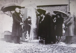 Unveiling the War Memorial reduced
