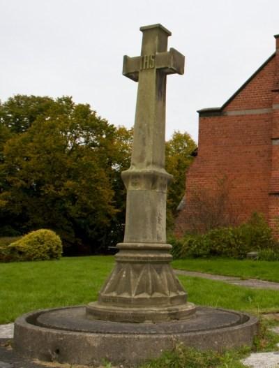 Saltney Church Memorial 001