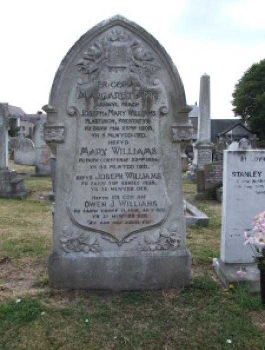 Owen's parents' grave at Prestatyn Churchyard