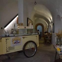 Eiswagen im Teesalon
