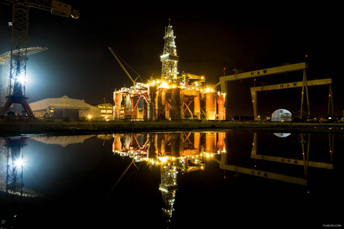 Harland and Wolff at night