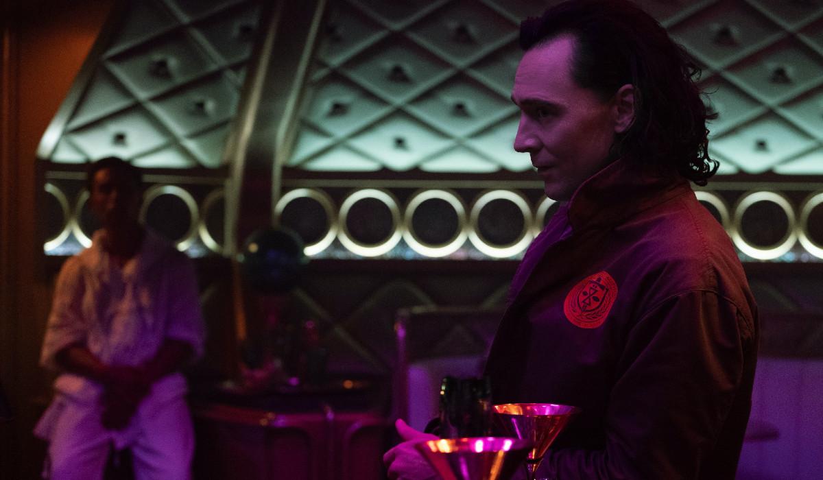Loki on train in episode three