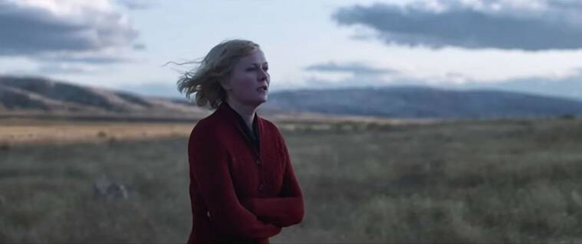 The Power Of The Dog: Kirsten Dunst as Rose in The Power Of The Dog. Cr. Kirsty Griffin/Netflix © 2021