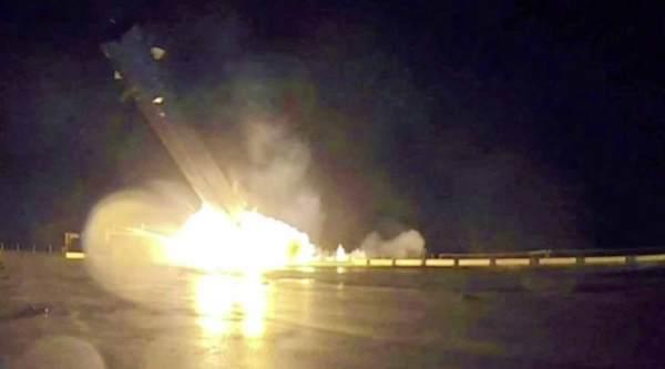 SpaceX Falcon 9 Hard Landing On Ocean Barge