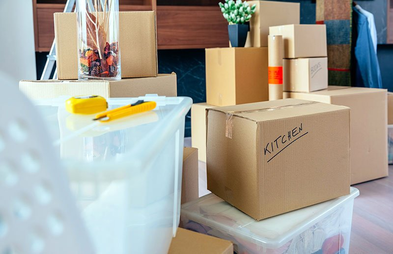 Decluttering vs Cleaning