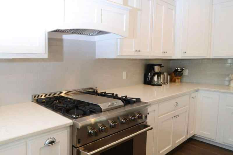white kitchen subway tile