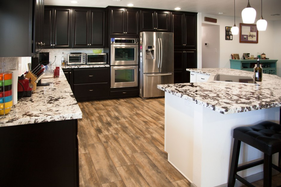 2018 kitchen flooring trends 20 flooring ideas for the for Kitchen flooring trends