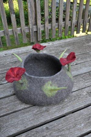 cat basket with big flowers in colours you wish