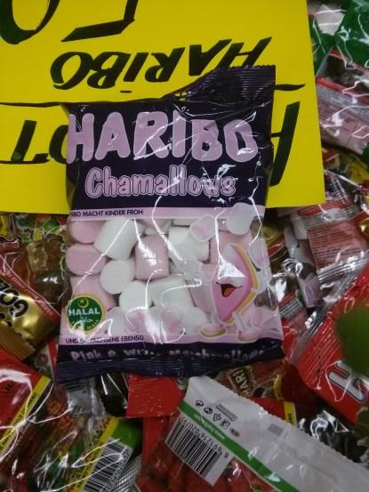 Dafür sind die Haribo-Verpackungen zweisprachig.