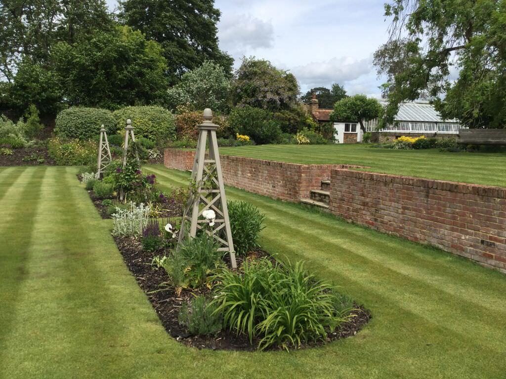 Large Garden Design | Floral & Hardy | London | UK on Big Backyard Landscaping Ideas id=74178