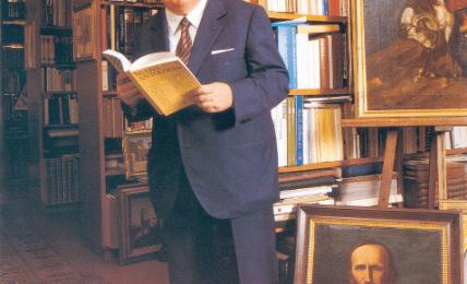 Giovanni Spadolini (1925-1994) in his library