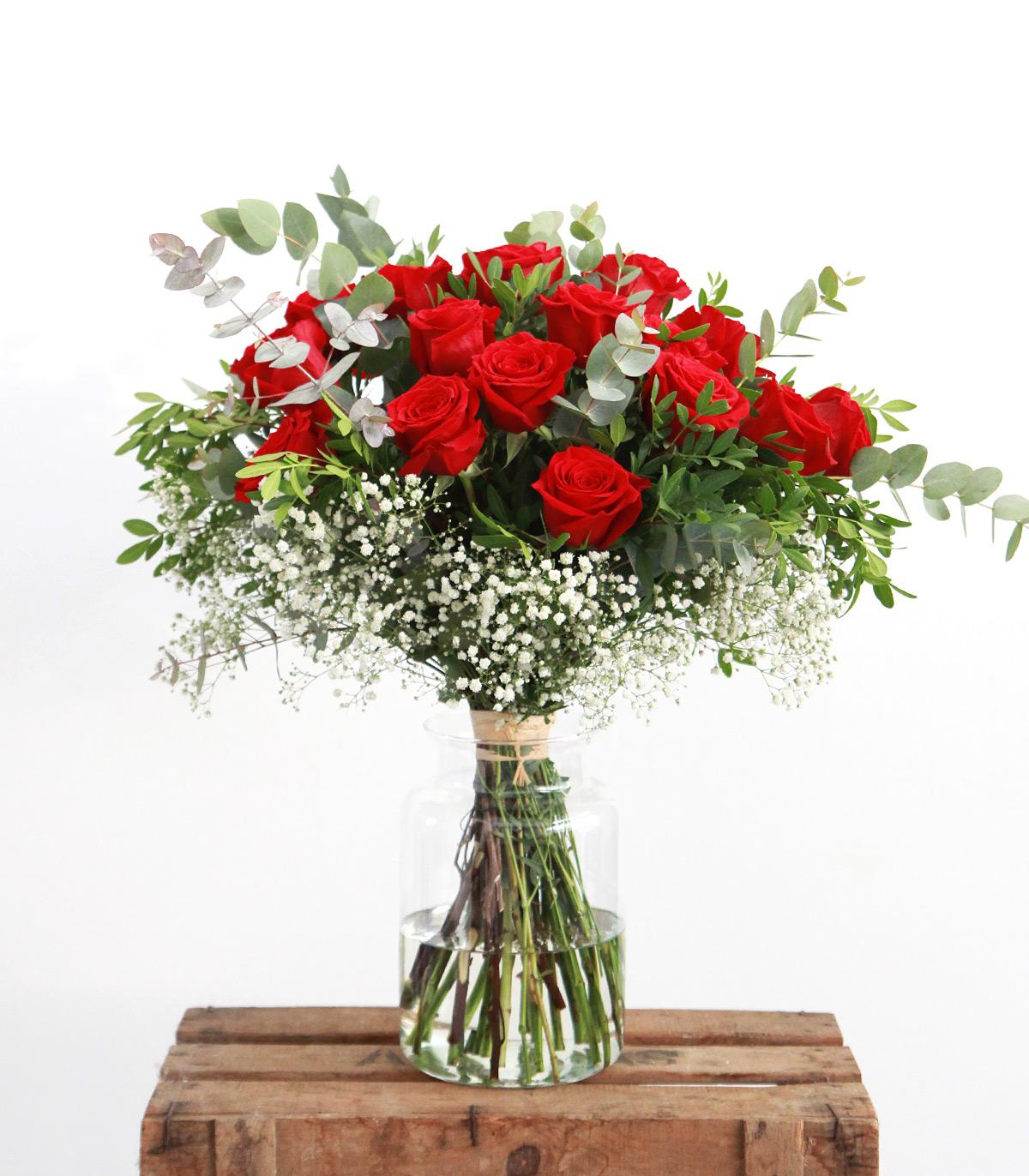 Ramo de 12 rosas de san valentin