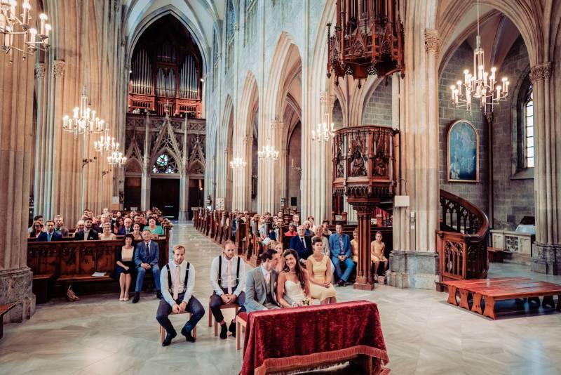 hochzeit in der steiermark-kirche admont