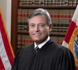 headshot of Florida justice Jorge Labarga