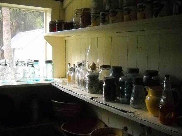 Marjorie Kinnan Rawlings Historic State Park: The kitchen at Cross Creek