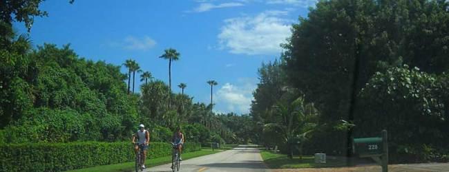 Jupiter Island's two lane Beach Road makes a good bike route.