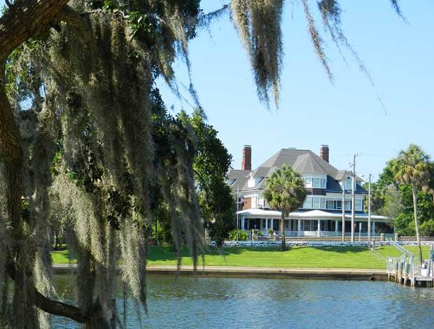 Historic waterfront home in Tarpon Springs