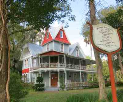 The May-Stringer House in Brookesville is home to the Hernando Heritage Museum. (Photo by Bonnie Gross)