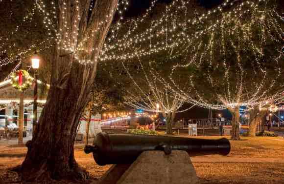 St. Augustine Nights of Lights (Photo courtesy FloridasHistoricCoast.com.)