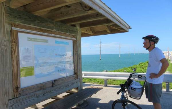 Bike-trail signage on the Florida Keys Overseas Heritage Trail. (Photo: Bonnie Gross)