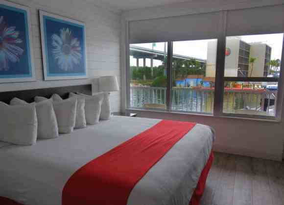 Every room at Gilbert's in Key Largo has a big view. (Photo: David Blasco)