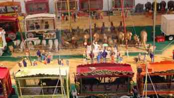 Circus-3-midway