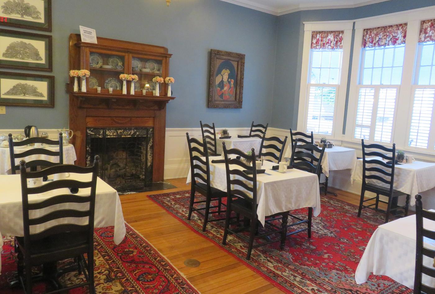 Visiting Jacksonville: The dining room at the Riverdale Inn in Riverside Avondale Park historic district. (Photo: David Blasco)