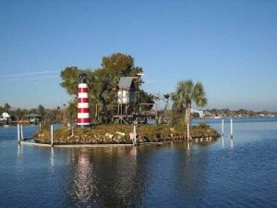 Homosassa Riverside Resort's monkey island.