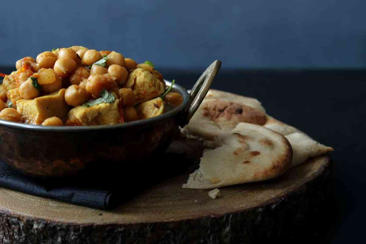 Murgh Cholay - a Pakistani Chicken and Chickpea Curry
