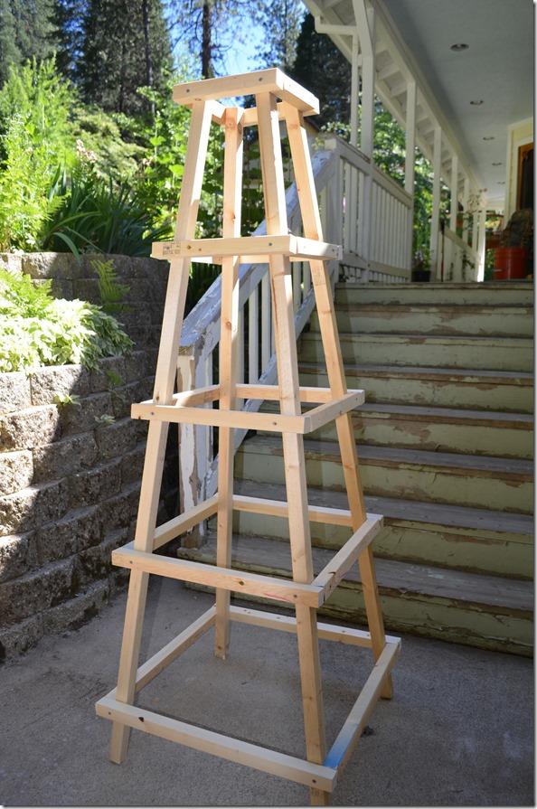 build an easy obelisk