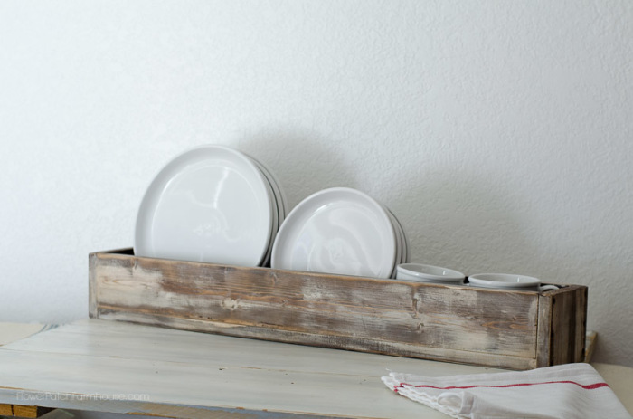 DIY vintage rustic box as plate rack, FlowerPatchFarmhouse.com