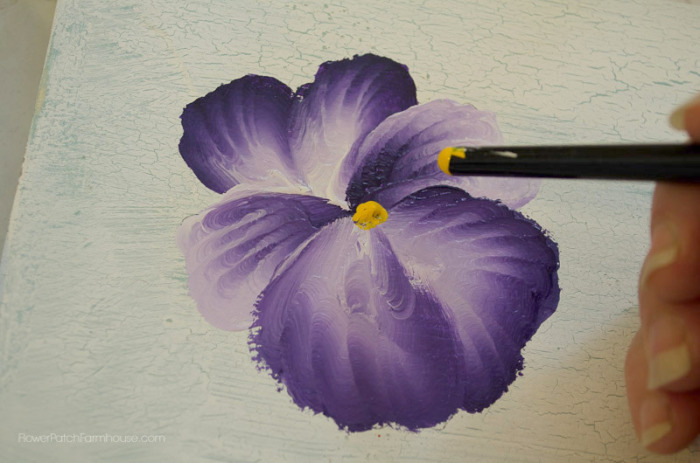 How to Paint a Pansy one stroke at a time, FlowerPatchFarmhouse.com
