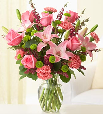 Image of mother's day flower bouquet with peach color.PNG