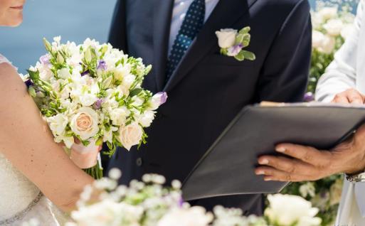 Νυφική-ανθοδεσμη-στολισμος-γάμου-σαντορινη